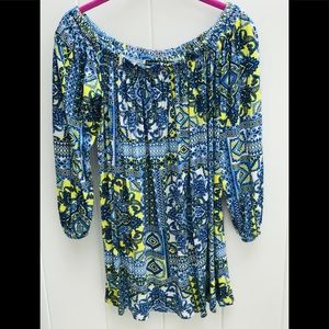 Boohoo blouse size 10 us colorful has stretch